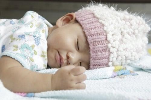 Zdrowe nawyki związane ze snem: od 0 do 3 miesięcy