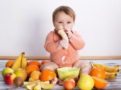 Pokarmy, których nigdy nie należy podawać dziecku