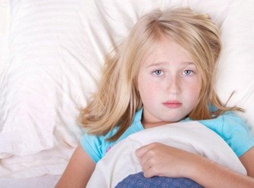 Dziewczynka nie może zasnąć