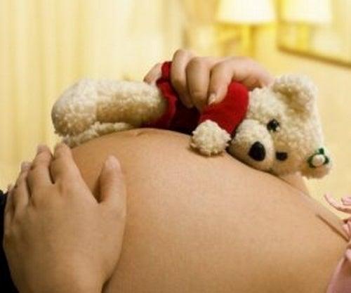 Tęczowe dziecko przynosi radość po smutku