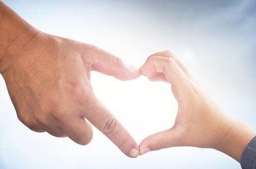 Serce z dłoni