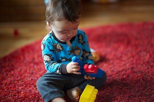 Dziecko na dywanie