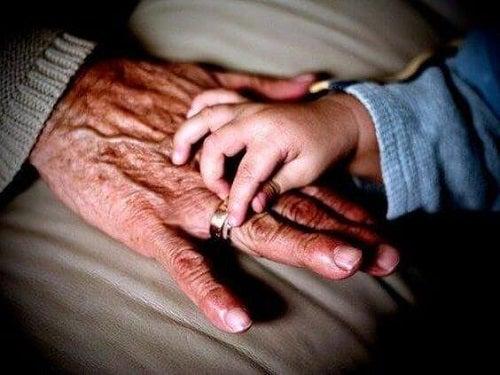 Babcia – dlaczego odgrywa dużą rolę w życiu dzieci?
