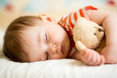 Ile godzin snu potrzebuje dziecko na każdym etapie rozwoju