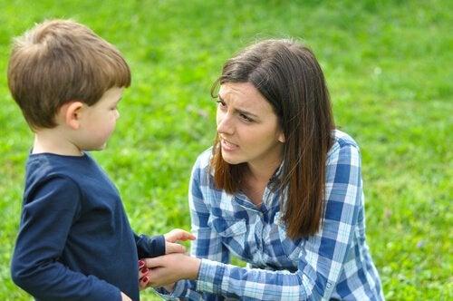 Jak nieobecność matki wpływa na dziecko