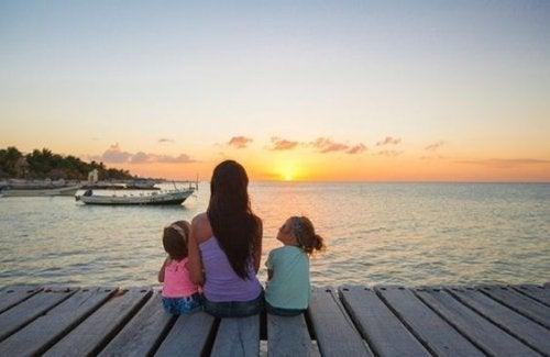 Mama i córki nad morzem - brak wakacji