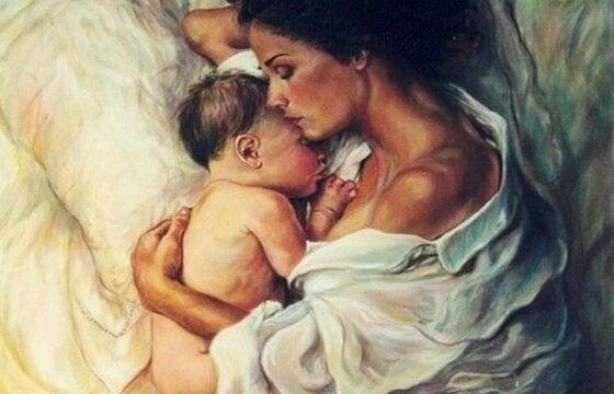 Mama z przytulonym dzieckiem - wspólne budzenie się