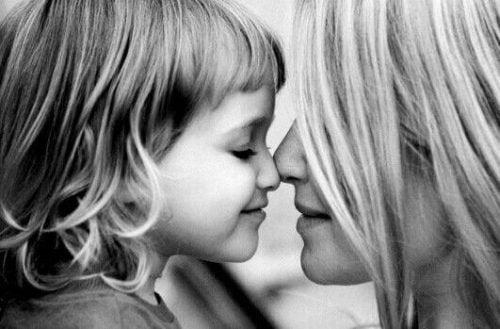 Radość z posiadania córki wyrażona w 5 przykładach