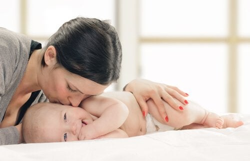 Matka i dziecko w 3 miesiącu życia