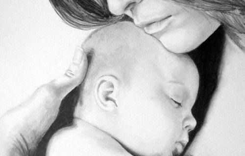 Mama przytula zasypiające dziecko