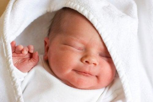 Noworodki – 13 ciekawostek o nowo narodzonych dzieciach