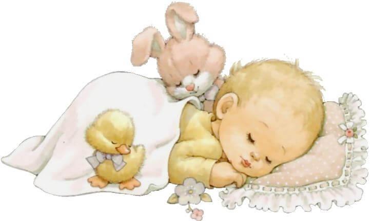Śpiące niemowlę z kaczątkiem i króliczkiem przykryte kołderką