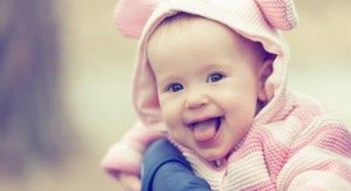 Poczucie humoru u niemowlaków, a obserwacja rodziców