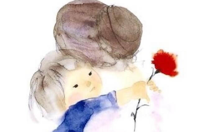 Wnuczka trzymająca różę w ramionach babci