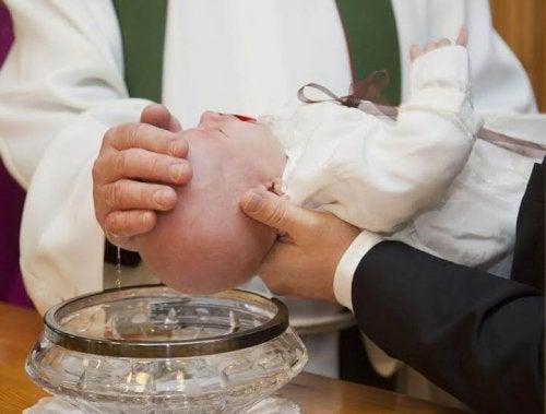 Nie tylko katolickie pray wybierają rodziców chrzestnych.