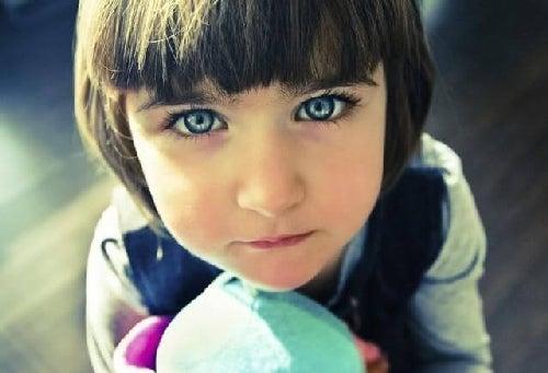 Dziecko indygo – kim jest i czym się charakteryzuje?