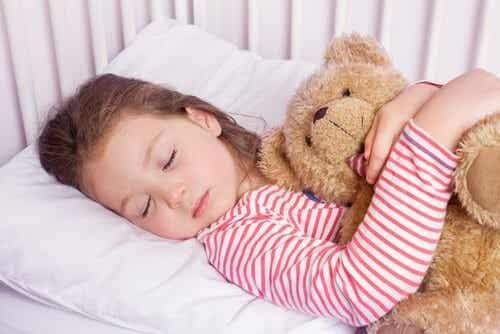 4-7-8 - ta technika pozwoli dziecku zasnąć w kilka sekund