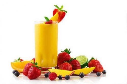 Koktajl owocowy- porady dietetyczne dla kobiet, które mają zostać mamą po raz pierwszy