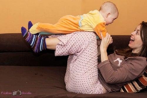 Zabawy odpowiednie w pierwszym roku życia Twojego dziecka