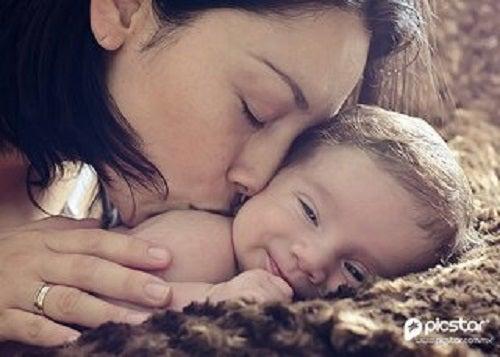 Instynkt macierzyński to mit – bycie mamą to wybór