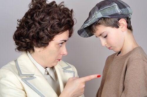 Czego nigdy nie mówić dziecku – 10 przykładów
