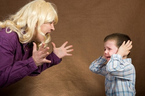 Aby dzieci Cię słuchały, musisz panować nad złością
