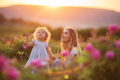 Matka z córka na łące