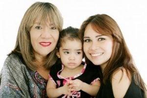Niechciane porady - mama, babcia i córka