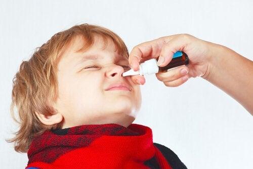 Zatkany nos u dziecka – jak sobie z nim poradzić?