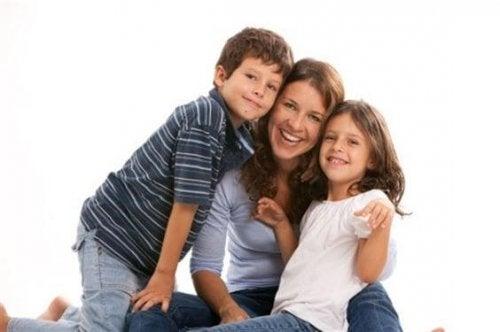 Szczęśliwa mama, córka i syn - jak być szczęśliwą mamą