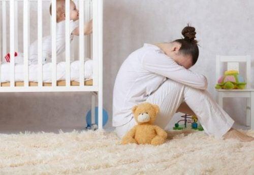 Depresja poporodowa - przyczyny, objawy, leczenie