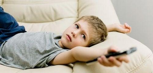Najgorsze nawyki dzieci – czego dziecko nie powinno robić