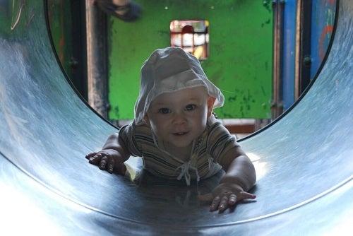 Mózg dziecka podczas zabawy – jakie procesy w nim zachodzą