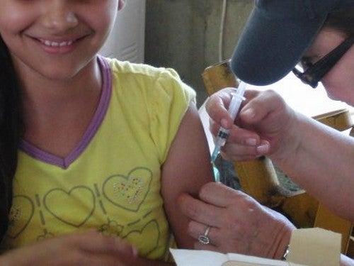 Dziecko podczas szczepienia