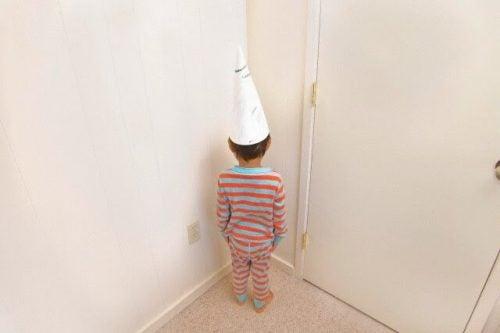 Kreatywny kącik - alternatywa dla dziecka stojącego tyłem do ściany