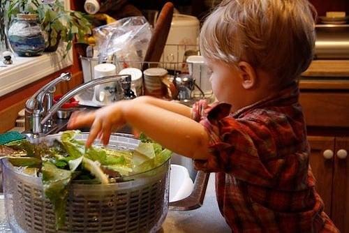Dziecko, które gotuje
