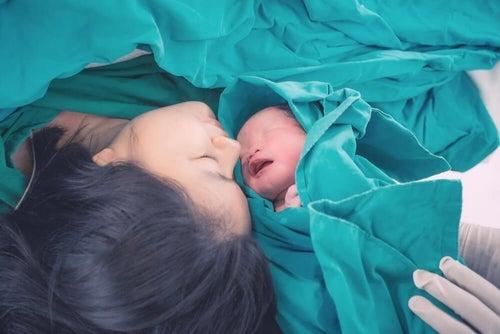 Zrozumieć ból matki podczas porodu - siła miłości
