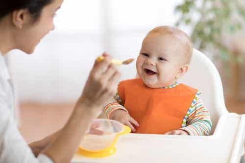 Przeciery owocowe dla niemowląt: 8 pysznych przepisów