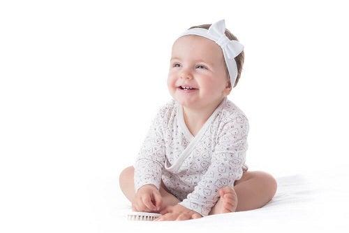 Opaski na głowę dla dziecka – czemu trzeba na nie uważać