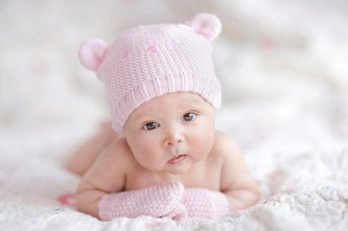 Ubrania dla noworodka – kilka zasad podczas robienia zakupów