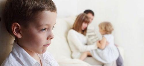 Zdecydowana większość dzieci jest przez jakiś czas zazdrosna o młodsze rodzeństwo.