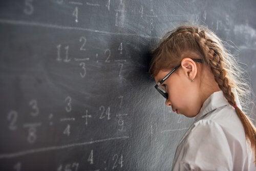 Dziecko ma problemy w szkole: dlaczego?