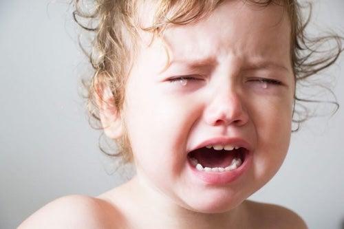 Dzieci często budzą się w nocy i płaczą.
