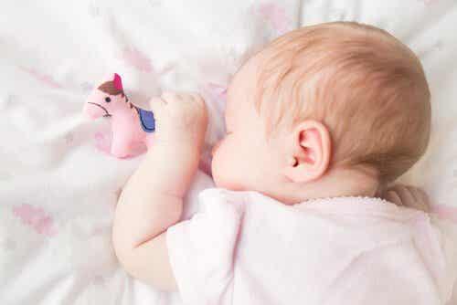 Chrapanie u dzieci: przyczyny i środki zaradcze