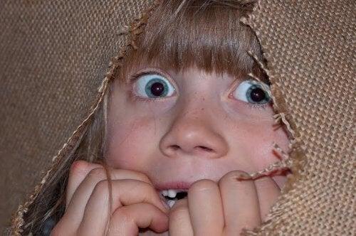 Lęki 6-letnich dzieci - przerażone dziecko