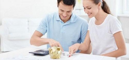 Sposoby oszczędzania pieniędzy dla rodziców – 12 wskazówek