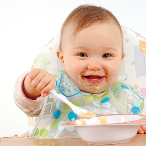 Szczęśliwe dziecko je przeciery dla dzieci powyżej 12 miesięcy