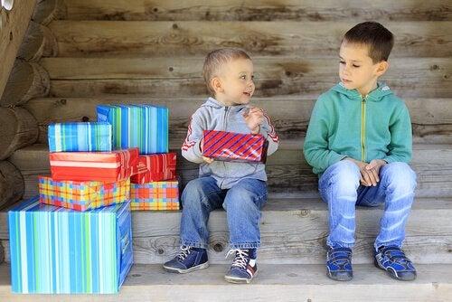 Zazdrość u dzieci: przyczyny i rozwiązania