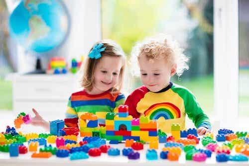 Zabawy konstrukcyjne: korzyści dla dzieci