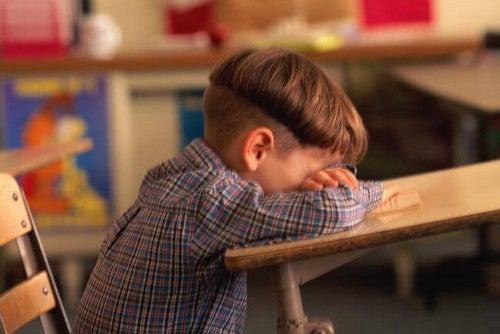 Słabe wyniki w nauce – 6 głównych przyczyn
